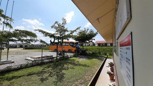 Community Learning Center (CLC) Rajawali di Ladang Milik Sime Darby di Bintulu, Sarawak, Malaysia (foto: Okezone/Ade Putra)