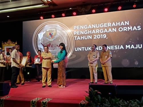 Kemendagri berikan penghargaan terhadap 15 ormas di Hotel Kartika Candra, Jalan Gatot Subroto, Jakarta Selatan, Senin (25/11/2019). (Foto : Okezone.com/MuhamadRizky)
