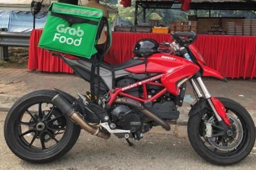 Ducati Hypermotard 950 jadi Ojol