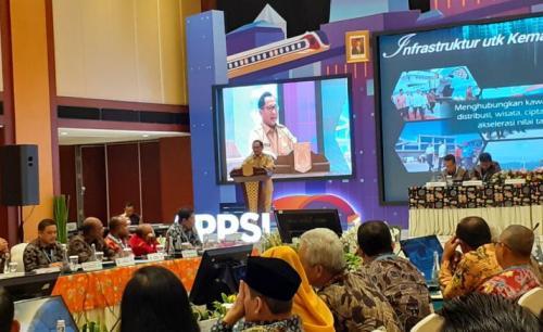 Mendagri Tito di Hotel Borobudur