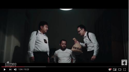 Film pendek ini menggambarkan kondisi nyata di lapangan tentang komoditas beras di Indonesia yang memiliki banyak kepentingan dan tangan yang bermain
