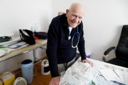 dokter lansia masih diminati pasien