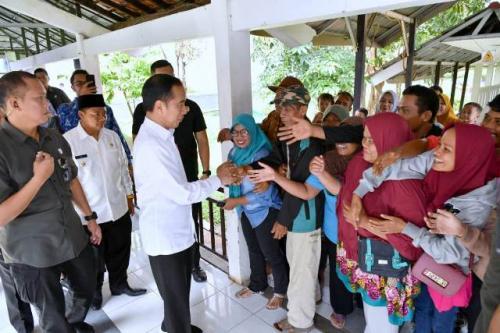 Jokowi sidak pelayanan BPJS Kesehatan di RSUD Subang. (Foto: Biro Pers Setpres)