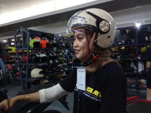 Helm khusus hijabers
