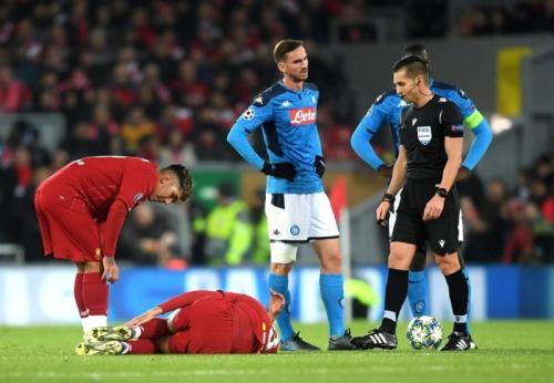 Fabinho mengalami cedera saat membela Liverpool di Liga Champions (Foto: UEFA)