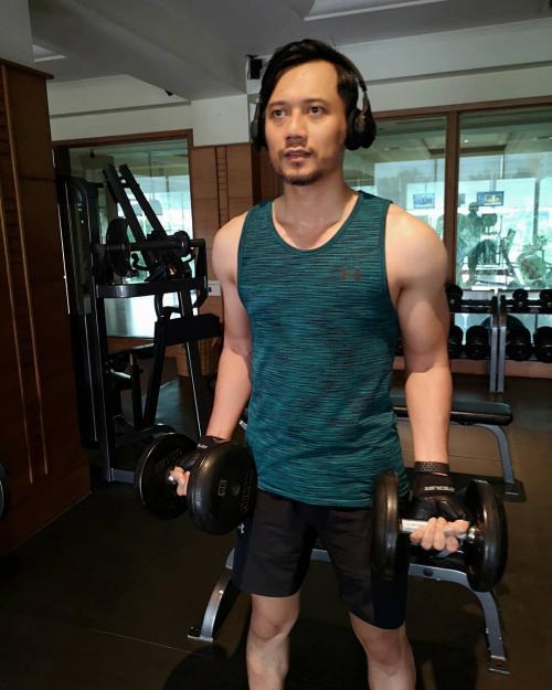 Pria berolahraga