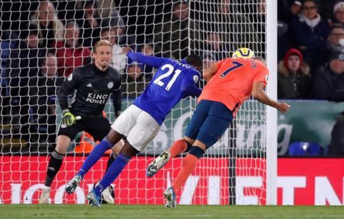 Suasana laga Leicester vs Everton