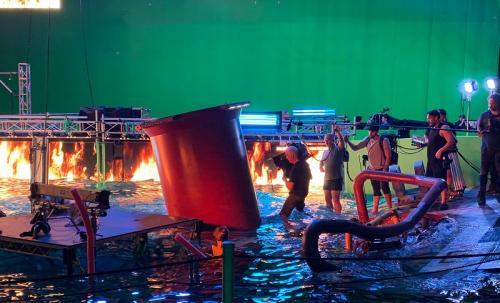 James Cameron saat syuting Avatar 2. (Foto: Twitter/@avatar)