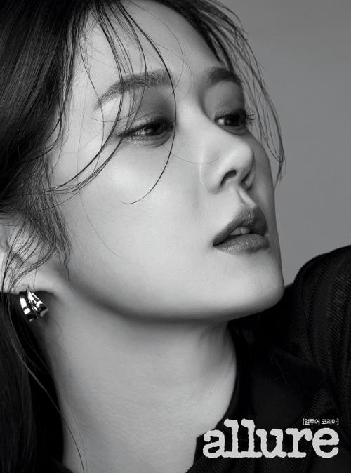 Jang Nara ditawari untuk menghidupkan karakter Jang Ha Ri dalam drama Oh My Baby. (Foto: Allure Korea)
