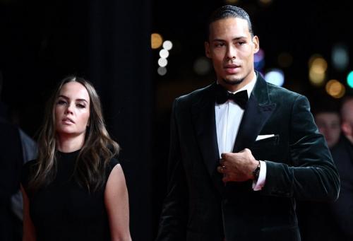 Van Dijk dan kekasih di malam penghargaan Ballon dOr 2019