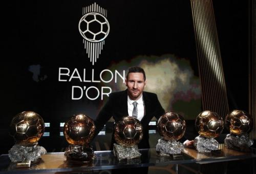Lionel Messi sabet trofi Ballon d'Or 2019