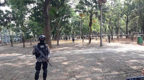 Lokasi ledakan di Monas dijaga polisi (Foto : Okezone.com/Fadel)