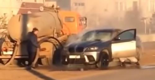 BMW X6 terbakar