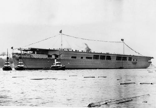 Graf Zeppelin (foto: Wikipedia)