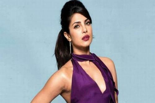 Priyanca Chopra berkulit eksotis