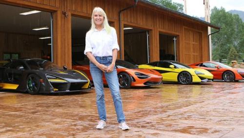 Wanita koleksi supercar Mclaren
