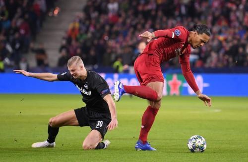 Suasana laga Salzburg vs Liverpool