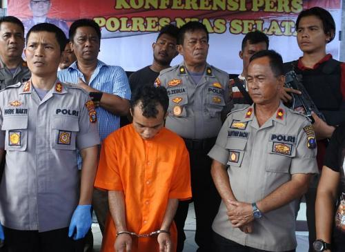 Polres Nias Selatan Gelar Perkara Kasus Pembunuhan Siswi SMA di Hutan (foto: Okezone/Robert Fernando H Siregar)