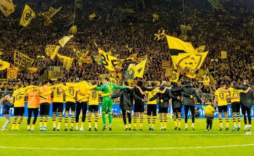 Borussia Dortmund melaju sebagai runner-up Grup F (Foto: Twitter/Borussia Dortmund)