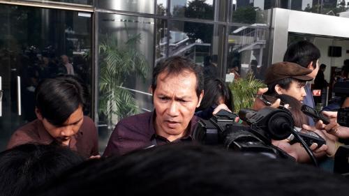 Wakil Ketua KPK Saut Situmorang. (Foto : Okezone.com/Arie Dwi Satrio)