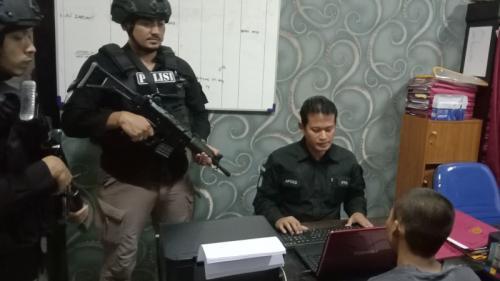 Polresta Cirebon rilis kasus pemuda sodomi 11 anak.1 (Foto : Okezone.com/Fathnur Rohman)