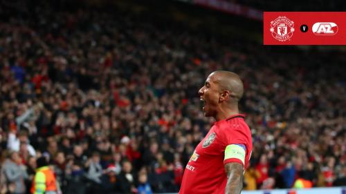 Ashley Young vs AZ Alkmaar (Foto: Twitter/@ManUtd)