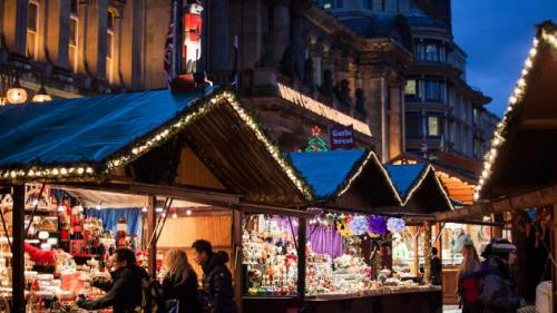 uniknya pasar ini malah mengusung tema sebagai pasar Natal terbesar yang menghadirkan Jerman