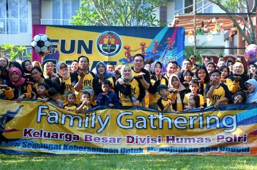 Family gathering Divisi Humas Polri. (Ist)