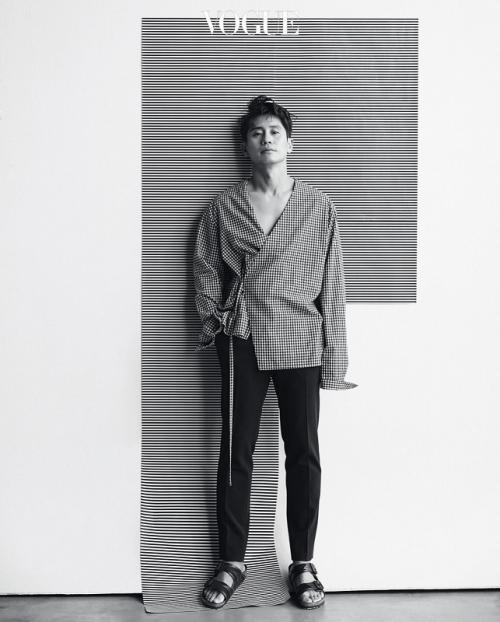 Shin Ha Kyun. (Foto: VOGUE)