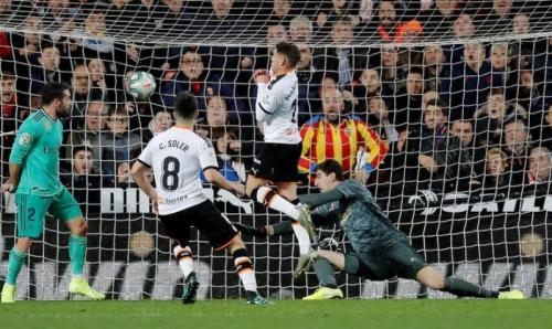Valencia menahan Real Madrid di Mestalla (Foto: Reuters)