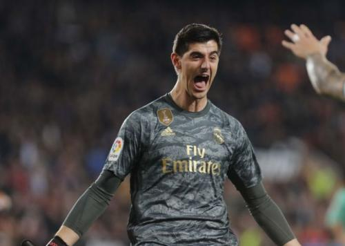Thibaut Courtois sengaja maju untuk memecah konsentrasi lawan (Foto: La Liga)