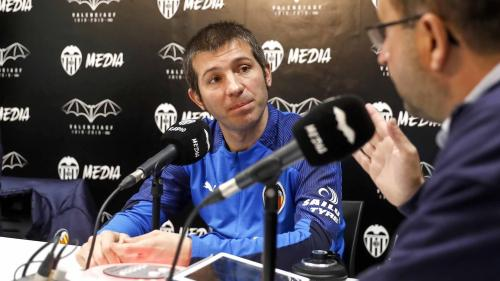 Albert Celades akan mempelajari permainan Atalanta dengan baik (Foto: Valencia)