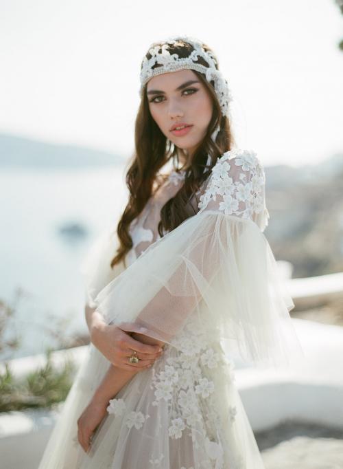Dari dunia headpiece untuk aksesori pernikahan, tiara atau mahkota 'Crowning Glory' j