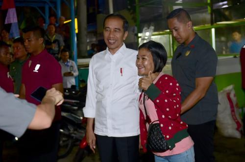 Jokowi di tarakan