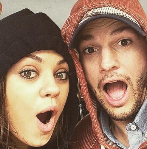 Mila Kunis dan Ashton Kutcher tak menjalankan tradisi memberi kado saat Natal. (Foto: Instagram/@aplusk)