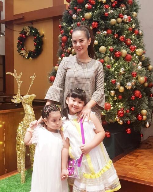 Astrid Tiar mengungkapkan tradisi keluarganya setiap Natal. (Foto: Instagram/@astridtiar127)