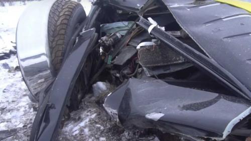Mercedes Benz dijatuhkan dari helikopter