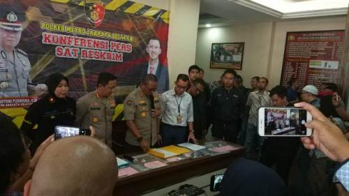 Polisi jumpa pers kasus pengemudi Lamborghini Foto: Achmad Fardiansyah