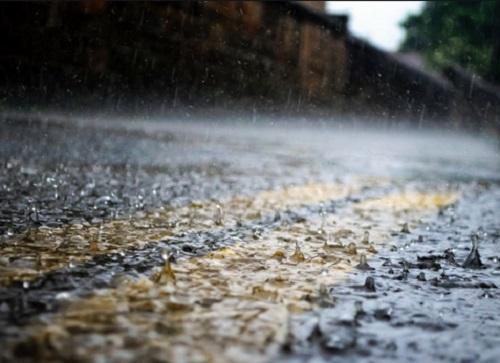 Ini Alasan Hujan Pengaruhi Sinyal Ponsel