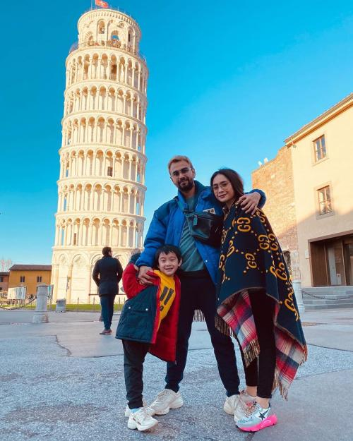 Raffi Ahmad dan keluarga. (Foto: Instagram/@raffinagita1717)