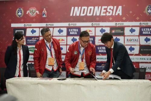 Shin Tae-yong saat ditnjuk sebagai pelatih Timnas Indonesia