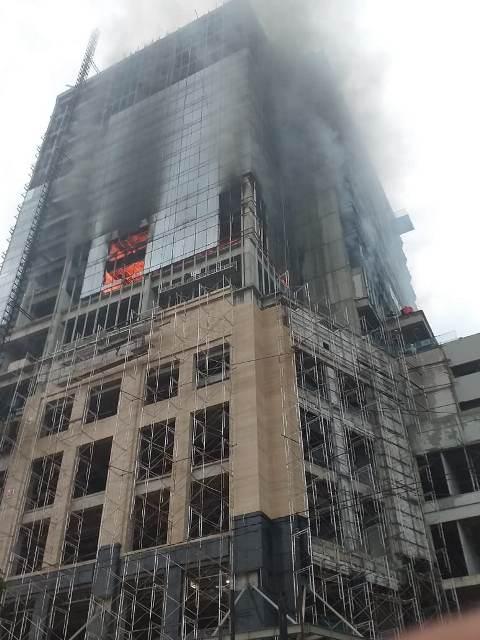 Kebakaran gedung Hotel Tentrem Semarang