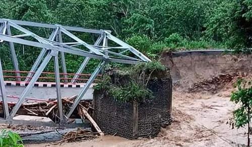 Jembatan di Muara Enim putus (Foto : Istimewa)