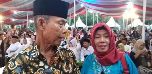 Pasangan tertua ikut nikah massal di Balai Kota Jakarta (Foto : Okezone.com/Fadel)