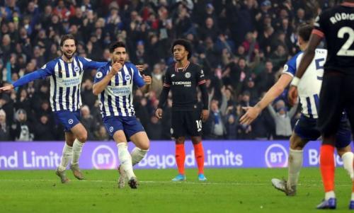 Alireza Jahanbakhsh tidak percaya usai mencetak gol indah (Foto: Brighton & Hove Albion)