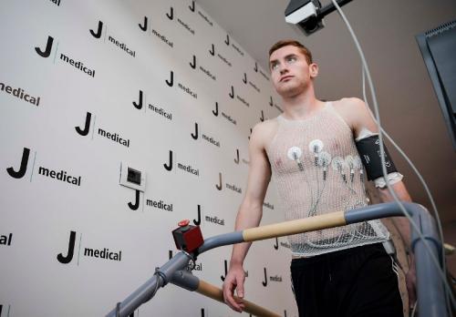 Kulusevski saat melakukan tes medis di J Medical