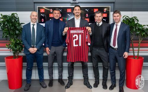 Zlatan Ibrahimovic akan memakai nomor punggung 21 di Milan (Foto: AC Milan)