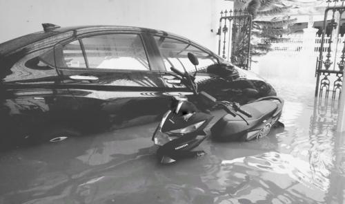 Banjir rendam rumah Nycta Gina. (Foto: Instagram/@missnyctagina)