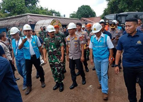 Panglima TNI & Kapolri di Kembangan