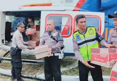 Distribusi Logistik Korban Banjir Lebak